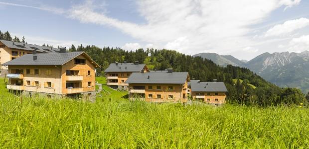 Der deutsche Immobilienmarkt ist leergefegt. Auf der Suche nach geeigneten Investitionsobjekten gilt hierzulande das Nachbarland Österreich als attraktive Alternative. Die Deutschen schätzen vor allem die politische und wirtschaftliche Stabilität der […]